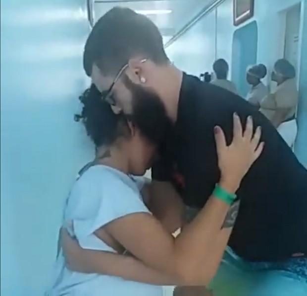 Danilo e a esposa Cristiane (Foto: Reprodução Facebook)