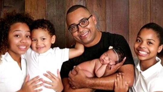No 'Encontro', Dudu Nobre mostra foto da Alícia, sua filha de 2 meses