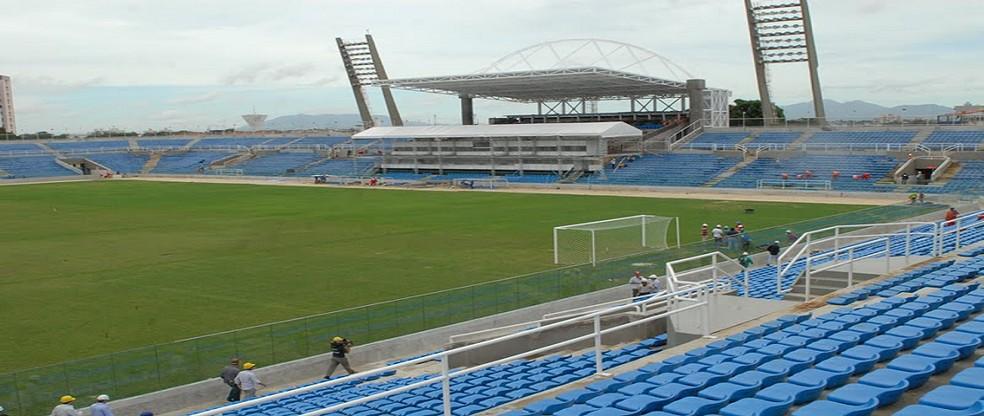 Resultado de imagem para Prefeito de Fortaleza anuncia construção de hospital no Estádio Presidente Vargas
