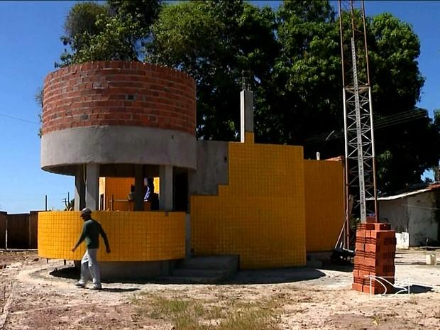 A base da PRF na BR-316, em Santa Inês, foi fechada depois que o Ministério do Trabalho condenou as condições do prédio (Foto: Reprodução/TV Mirante)