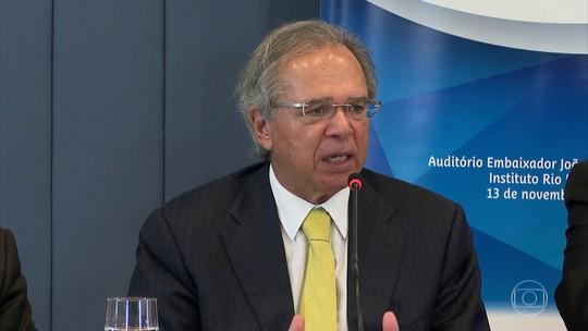 Paulo Guedes fala em livre comércio com a China; aliados de Guaidó invadem embaixada