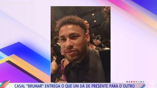 Neymar brinca sobre o melhor presente que já deu para Bruna Marquezine: 'Eu!'