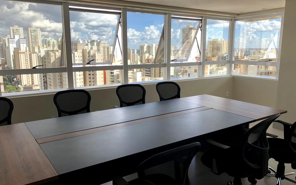 Sede de empresa de consultoria ficou pronta antes do previsto após dono terceirizar a reforma, em Goiânia (Foto: Paula Resende/ G1)