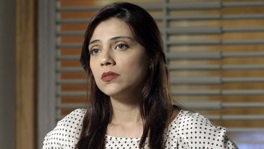 Carola revela armação de Pedro para Anita
