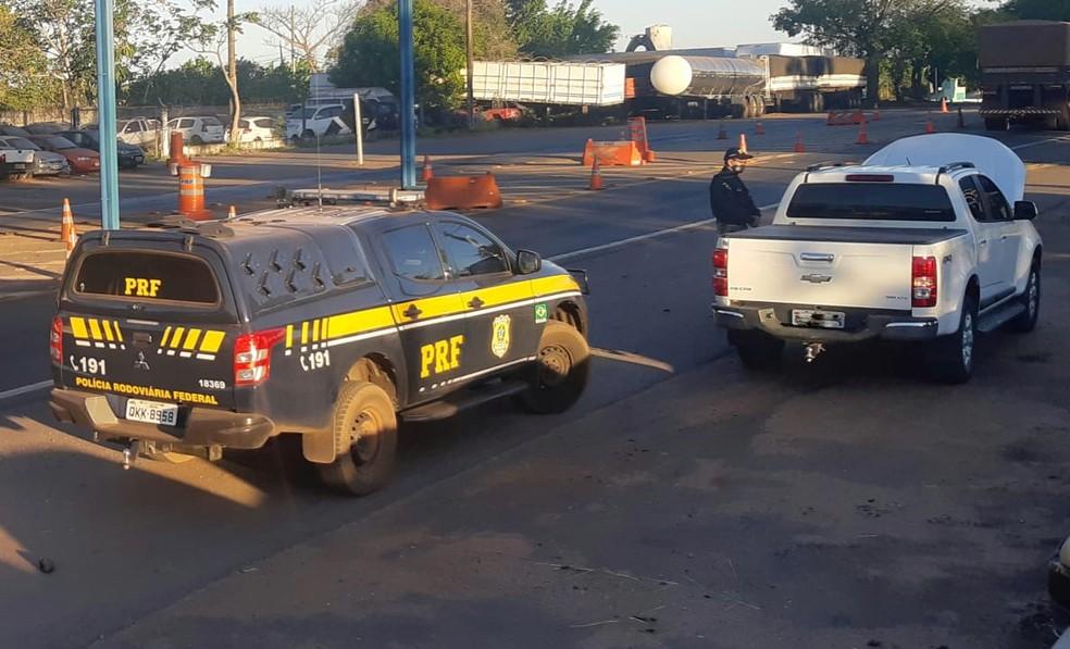 Carro foi recuperado pela PRF em Guaraí — Foto: PRF/Divulgação
