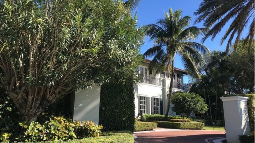 Casarões de Palm Beach têm paisagismo exuberante — Foto: BBC Mundo