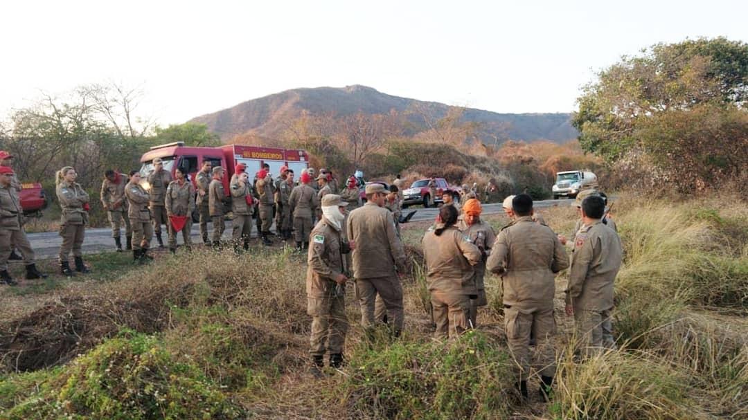 Bombeiros controlam incêndio florestal após oito dias em Portalegre, RN  - Notícias - Plantão Diário