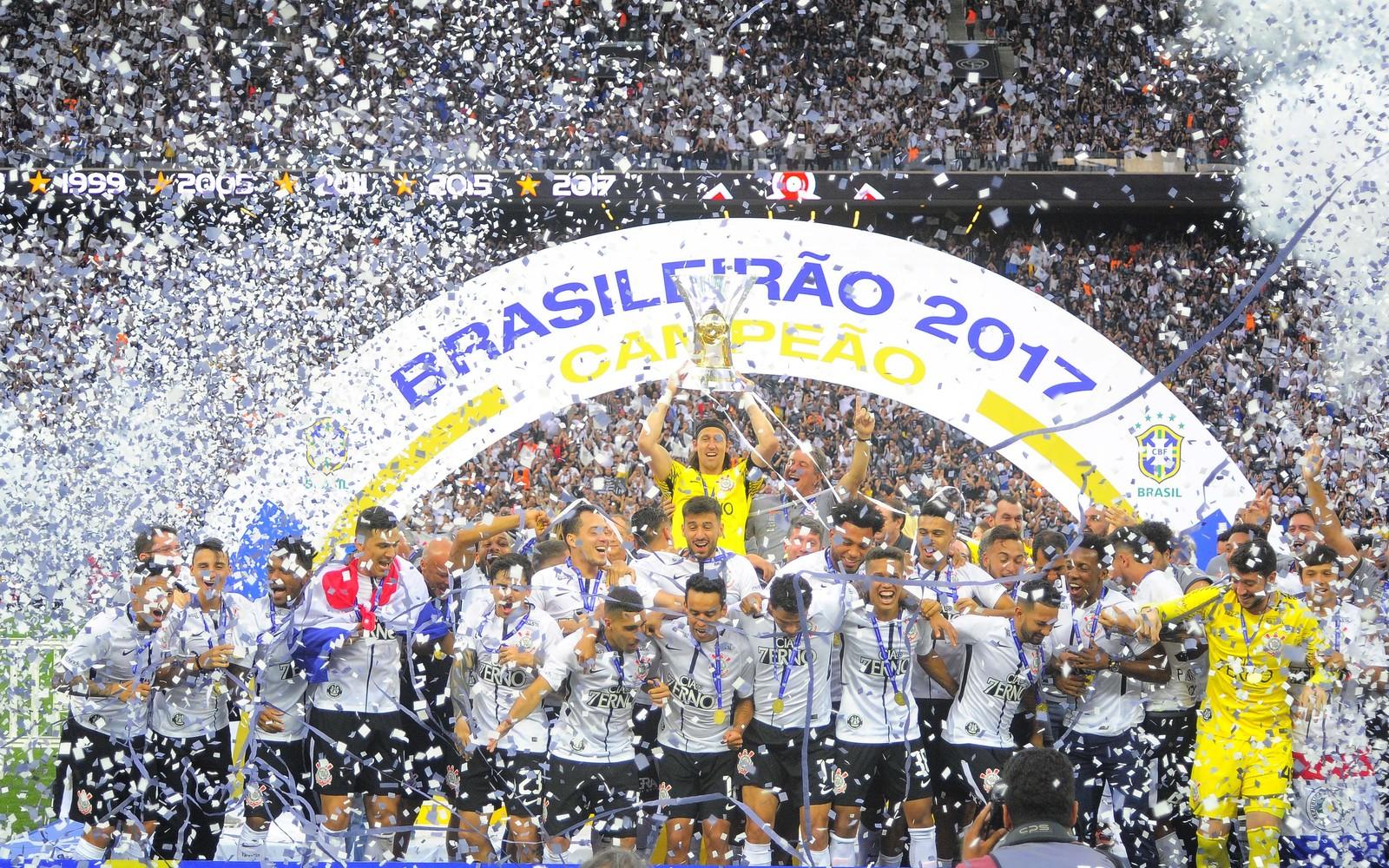4e132203ad O Corinthians confirma já ter recebido da CBF os R  18 milhões de premiação  por conta do título do Campeonato Brasileiro de 2017. Porém