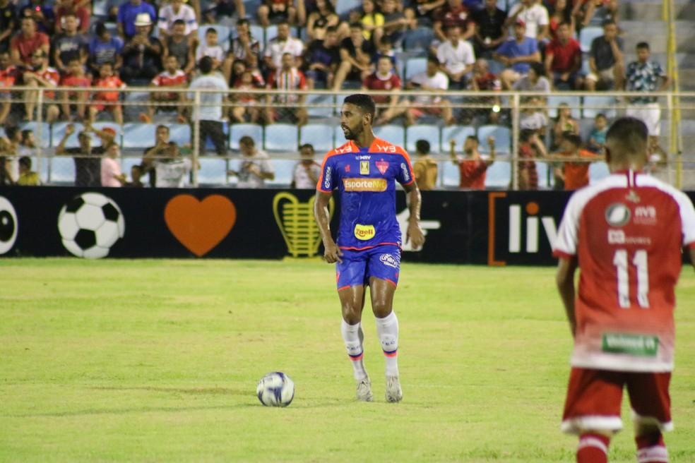 Michel se recupera de lesão no Fortaleza — Foto: Luan Erick / Fortaleza EC