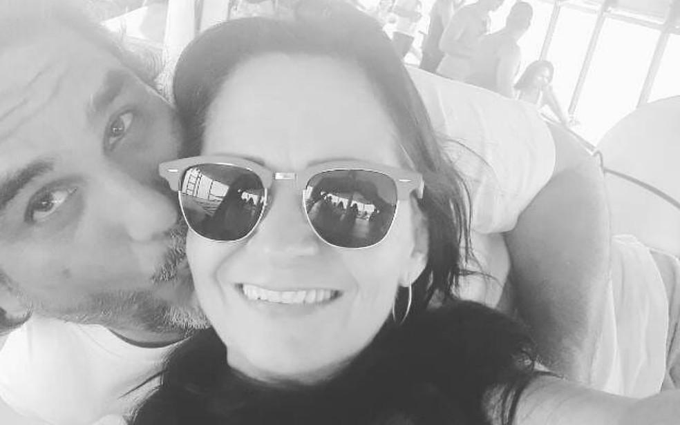 O empresário Fernando Azevedo Olivato e a mulher, Beatriz Cândida Araújo Azevedo Olivato, em Ribeirão Preto — Foto: Reprodução/Facebook