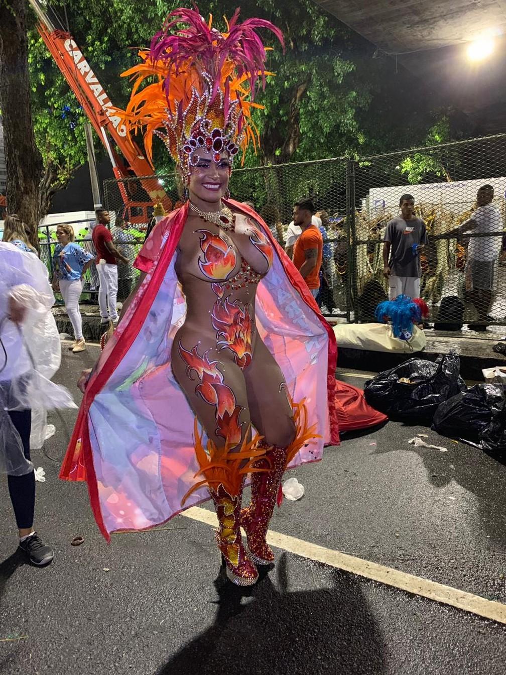 Andreia Martins é musa do corpo pintado da Unidos de Padre Miguel â?? Foto: Fernanda Rouvenat / G1