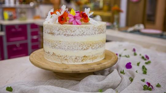 Aniversário em casa? Aprenda a fazer bolos deliciosos para comemorar