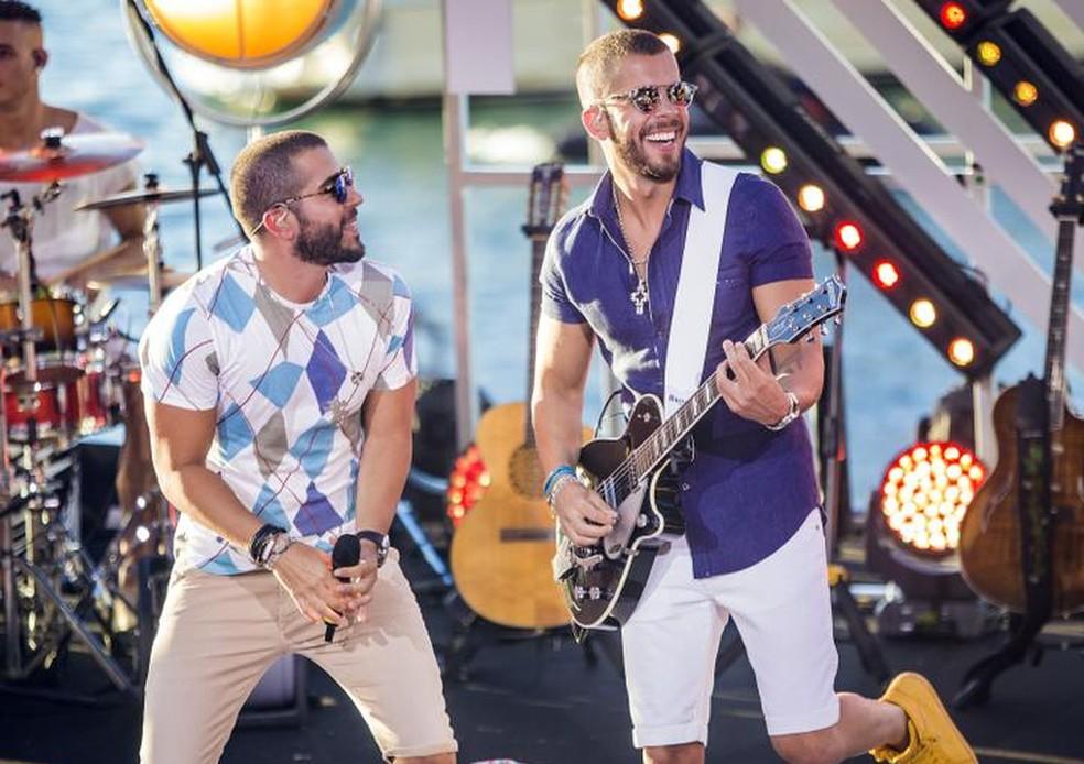 Rafa e Pipo Marques se apresentam na primeira noite do Lençóis Weekend em Barreirinhas. (Foto: Divulgação)