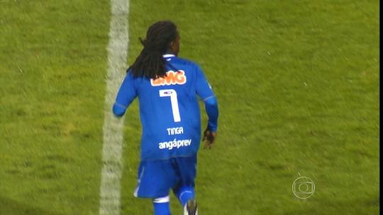 Tinga fala sobre preconceito, futebol  e trabalho como dirigente do Cruzeiro