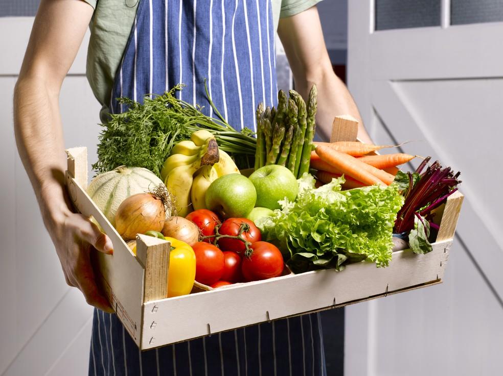 Vegetais, frutas e legumes orgânicos são os melhores aliados da saúde — Foto: Getty Images