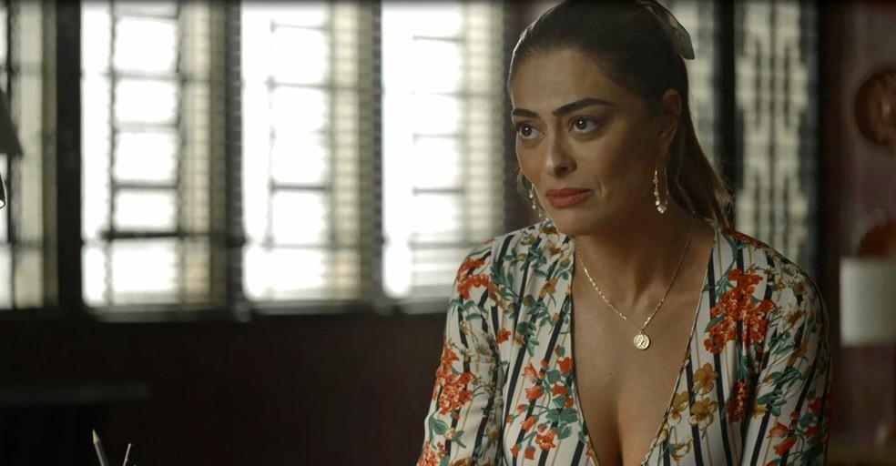 Maria da Paz (Juliana Paes) conhece proposta de emprego de Fabiana (Nathalia Dill), na novela'A Dona do Pedaço' — Foto: Globo
