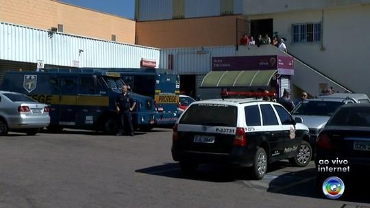 Ladrões vestidos com uniforme de açougueiro roubam carro-forte em Cabreúva
