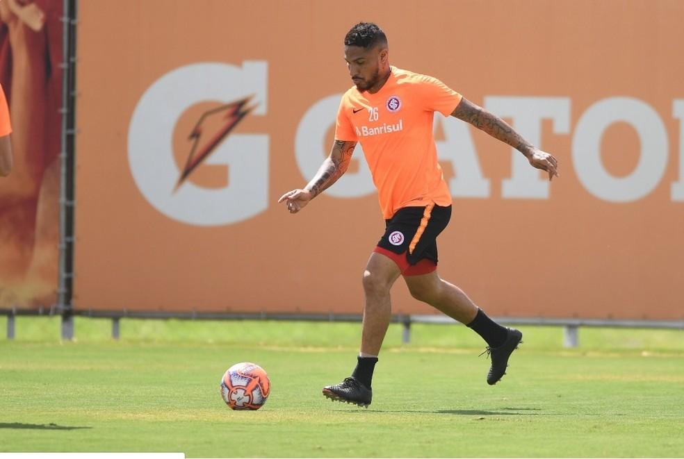 Inter agenda jogo-treino e deve ter primeiro teste de Guerrero antes de liberação