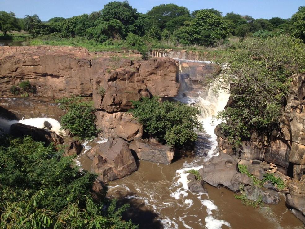 Adolescente estava mergulhando na cachoeira de Missão Velha, quando se afogou. (Foto: Isaac Macêdo/TVM)