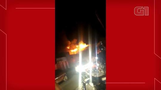 Incêndio atinge supermercado no interior