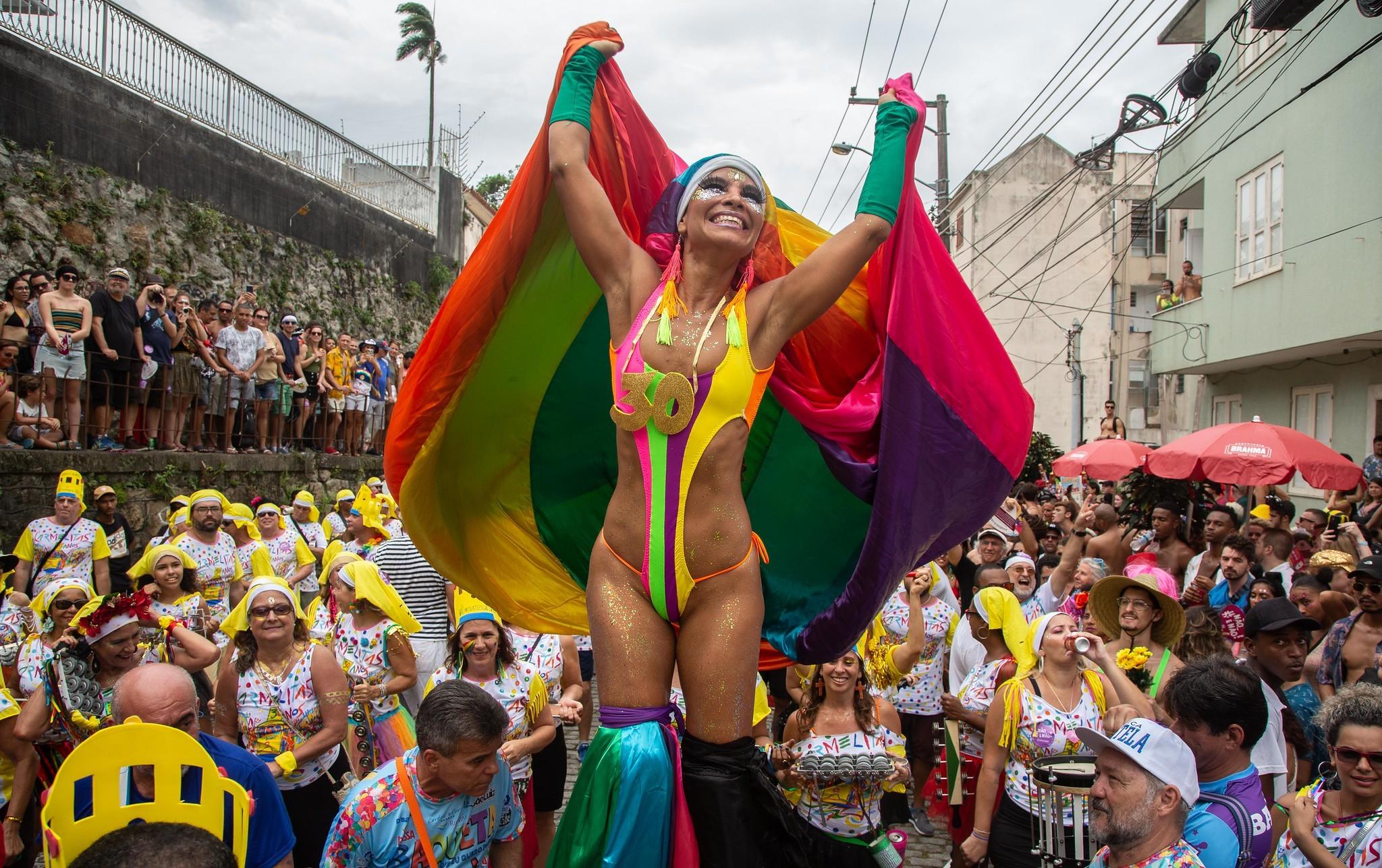 Associação de blocos diz que vai seguir decisão da Liesa e também vai adiar o carnaval de rua no Rio em 2021