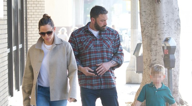 Jennifer Garner, Ben Affleck e Samuel (Foto: Grosby Group)