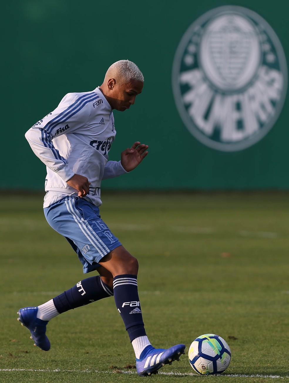 Deyverson em treino do Palmeiras na Academia de Futebol (Foto: Cesar Greco / Ag Palmeiras)