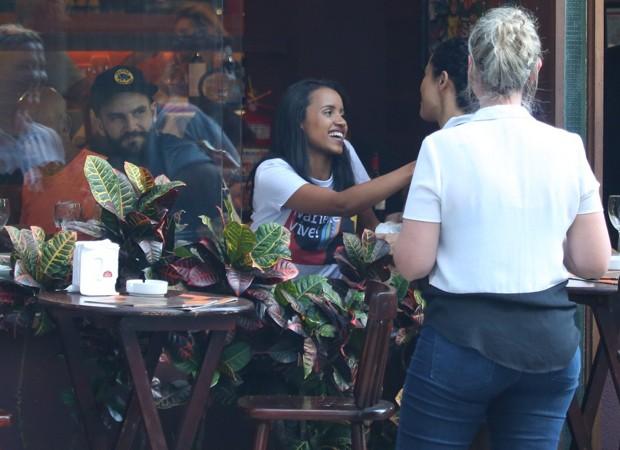 Gleice e Wagner em restaurante do Rio de Janeiro (Foto: AgNews)