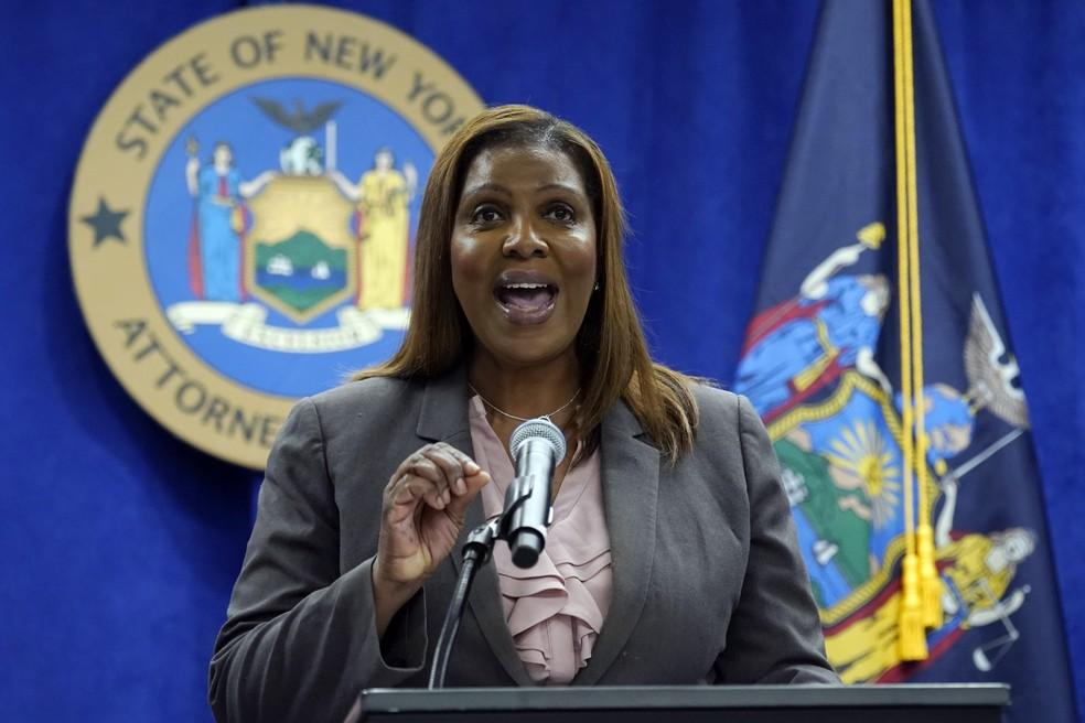 A procuradora-geral de Nova York, Letitia James, durante entrevista coletiva em seu escritório em 21 de maio de 2021 — Foto: Richard Drew/AP