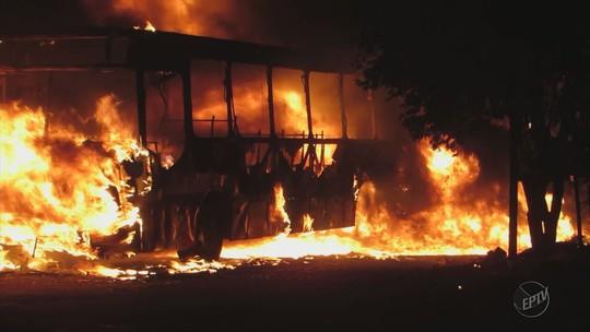 Sul de MG tem novos ataques em 7 cidades; ônibus, carros e viatura são queimados
