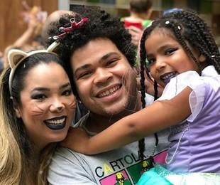Micheli Machado e Robson Nunes com a filha   Reprodução