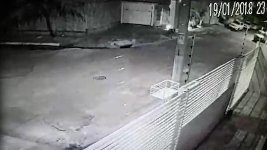 Sequestradores são presos ao circularem com o carro da vítima em Cuiabá; veja vídeo do sequestro