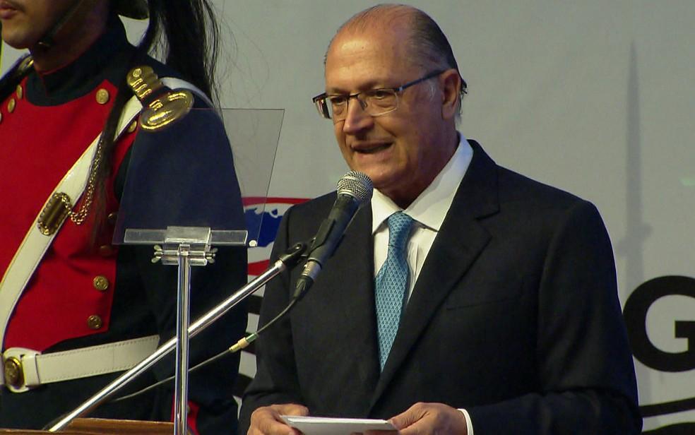 Geraldo Alckmin em cerimônia de transmissão de cargo de governador (Foto: Reprodução/TV Globo)