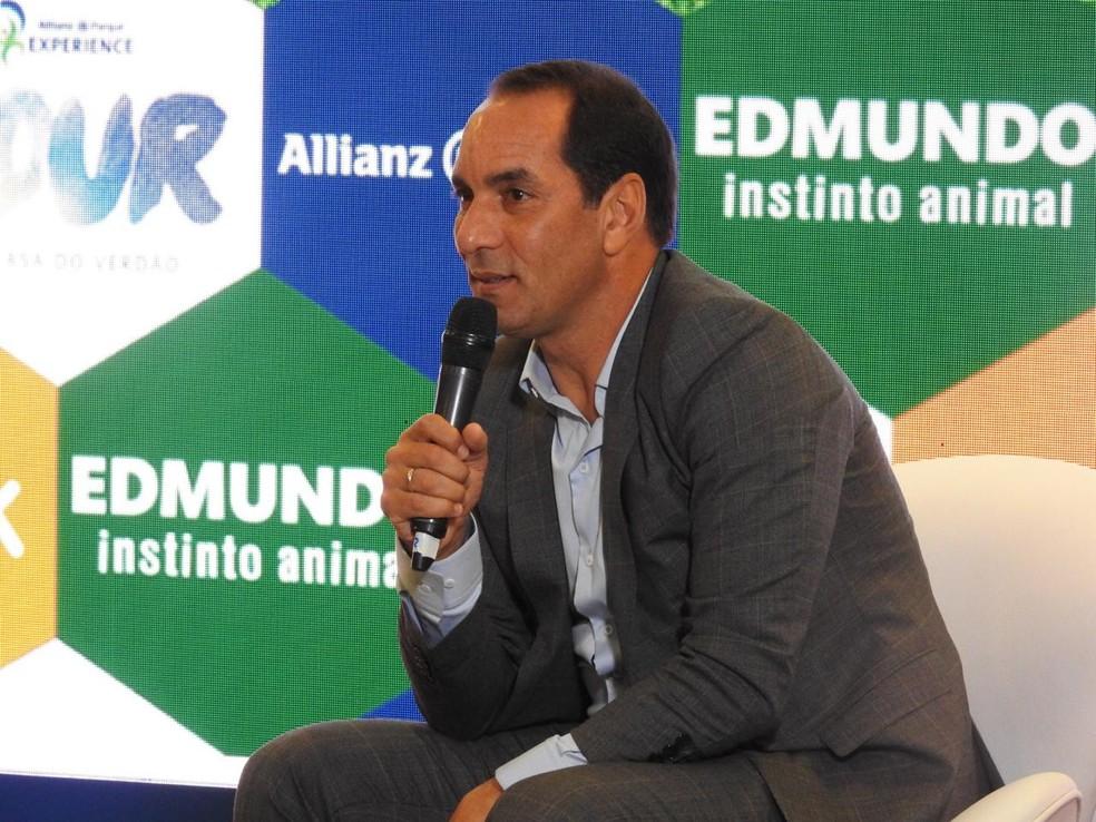 Edmundo cobra dívida do Vasco na Justiça — Foto: Felipe Zito