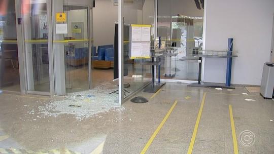 Polícia prende grupo suspeito de tentar furtar agência bancária em Araçoiaba da Serra