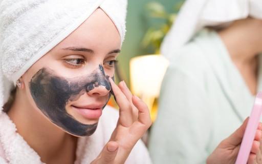 Ciclo menstrual: qual o efeito dos hormônios na pele?