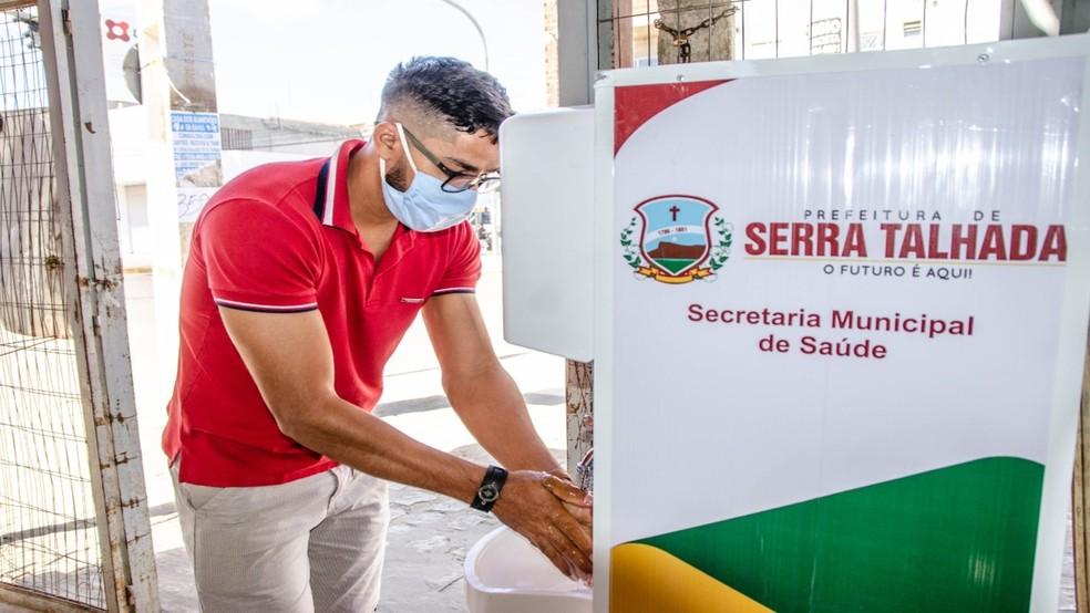 Prefeitura instala mais vinte lavatórios públicos em Serra Talhada | O  Futuro é Aqui | G1