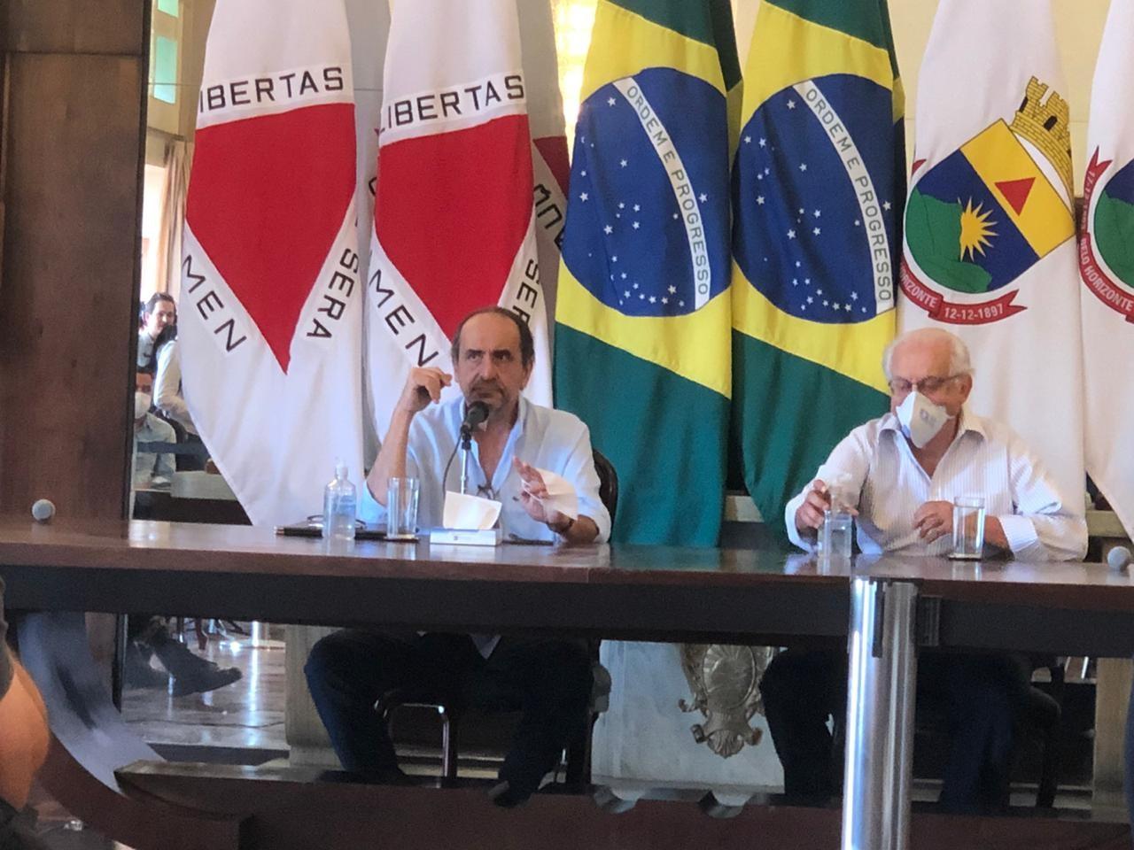 Prefeito de BH anuncia criação de grupo pós-pandemia para retomada da atividade comercial