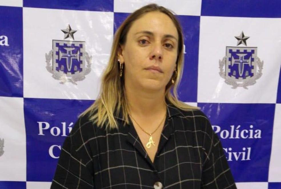 Mulher suspeita de mandar matar o marido é presa no oeste da Bahia — Foto: Divulgação/PC