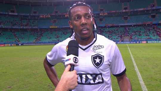 Moisés diz que levar gol no último lance deixa gosto de derrota para o Botafogo