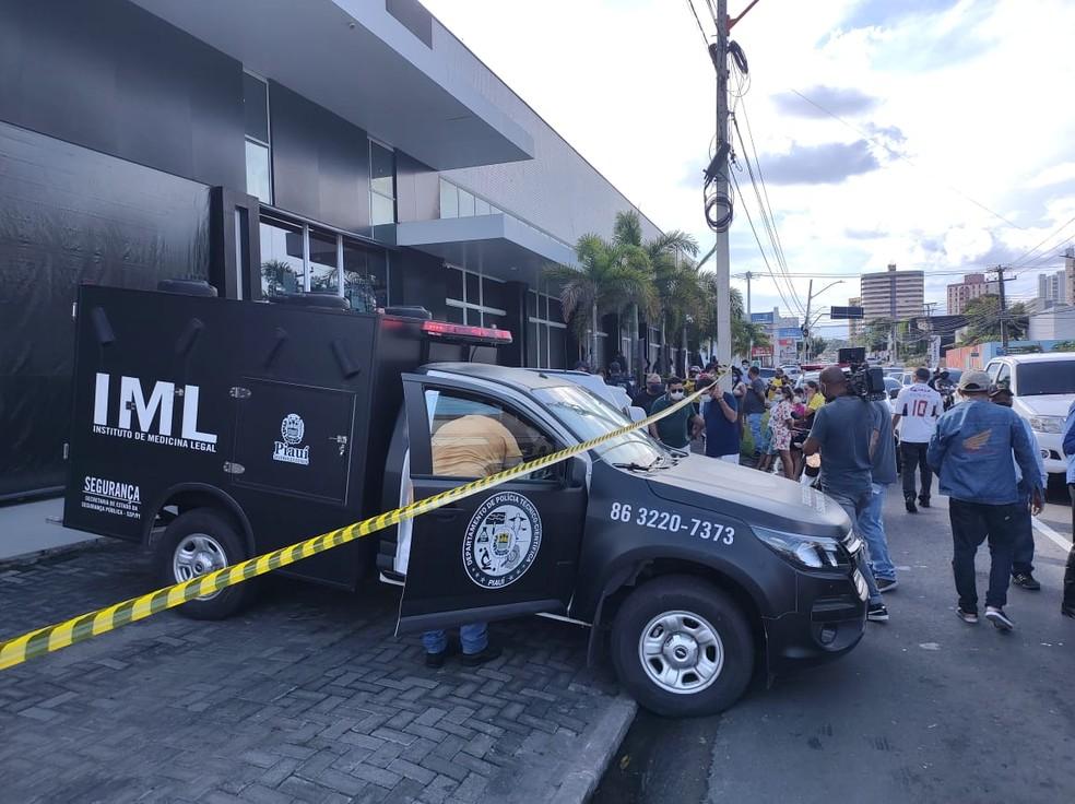 Homem mata a esposa a tiros e comete suicídio na Zona Leste de Teresina — Foto: Ravi Marques/ TV Clube