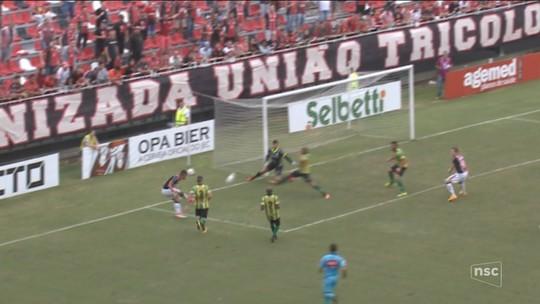 Joinville aproveita vantagem numérica e bate o Ypiranga na estreia da Série C
