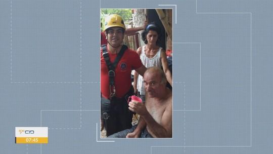 Homem é resgatado após cair de 9 metros de altura em poço em Cachoeira de Minas, MG