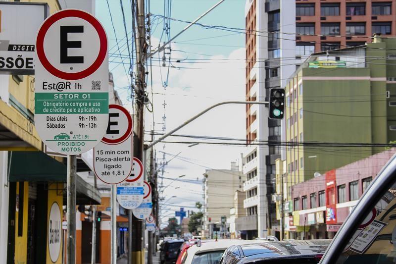 Troca de blocos de papel por créditos do EstaR eletrônico vai até sexta (10), em Curitiba