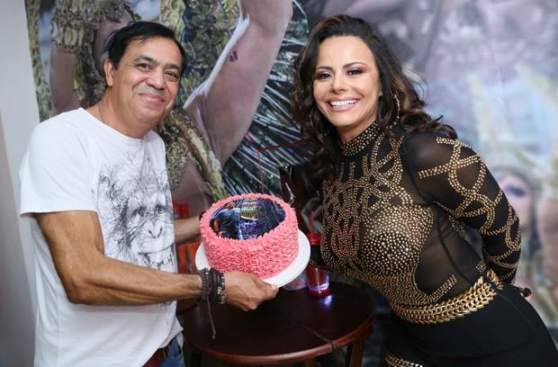 Viviane Araújo e Celso Alves (Foto: Anderson Borde/AgNews)