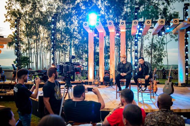 Matheus & Kauan gravam DVD em Goiânia (Foto: Cadu Fernandes/Divulgação)