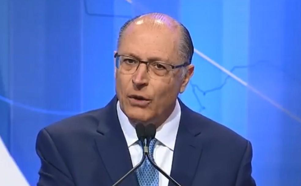 O presidenciável Geraldo Alckmin (PSDB) no debate da RedeTV! (Foto: Reprodução/RedeTV!)
