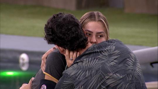 Isabella se despede de Maycon e ouve: 'Relaxa que essa boca você não beija mais'