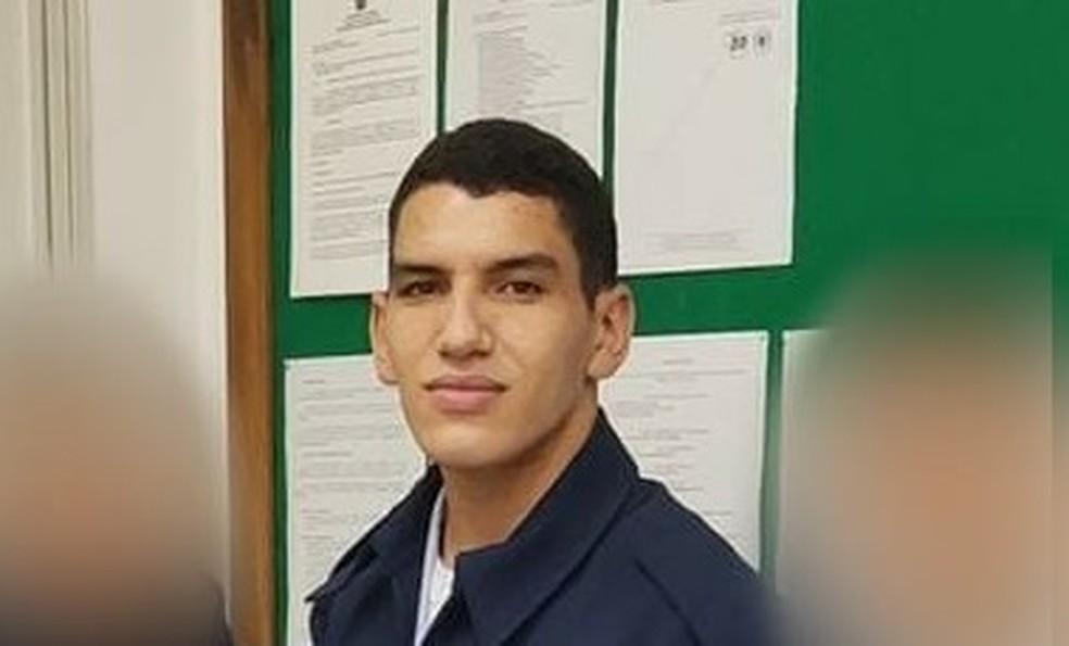 Soldado Mateus conseguiu salvar um dos adolescentes antes de se afogar em Guarujá, SP — Foto: Arquivo pessoal