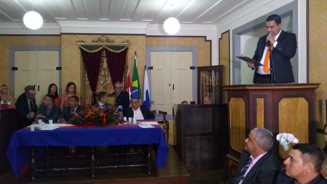 Luciano Vidal toma posse como novo prefeito de Paraty - Notícias - Plantão Diário